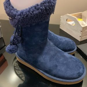 Never worn navy blue ugg boots